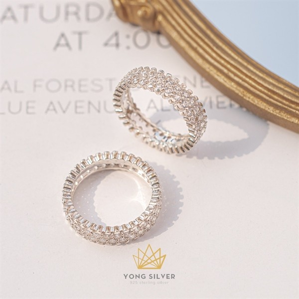 Daisy Pave Silver Ring